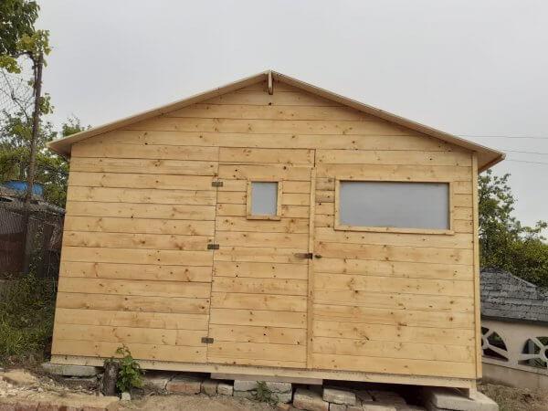 Zahradní dřevěný domek Gabriela pohled zepředu na dveře